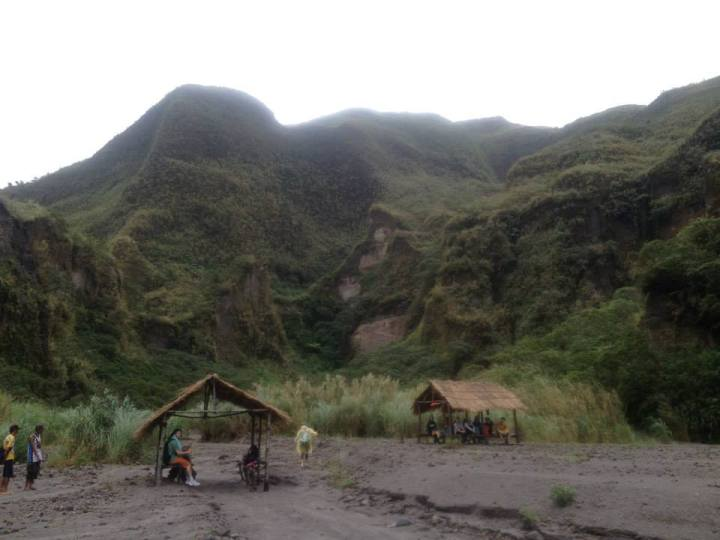 This is where people rest after reaching Lake Pinatubo.
