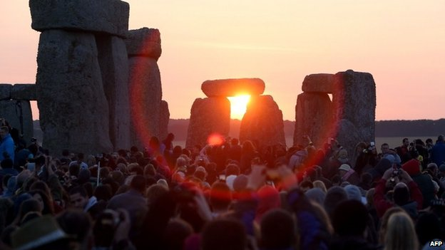 Witnessing the sunrise of a midsummer day at the Stonehenge. (Photo courtesy: AFP)