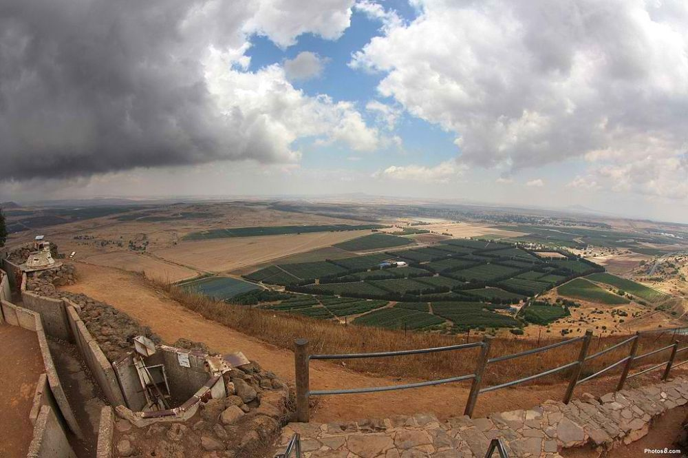 View of Syria from the Israel-side of Golan Heights. Photo courtesy: photos8.com