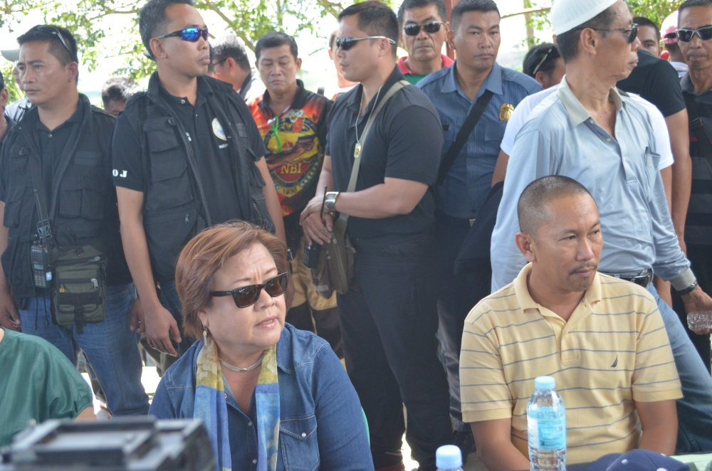 De Lima with Gov. Mangudadatu.