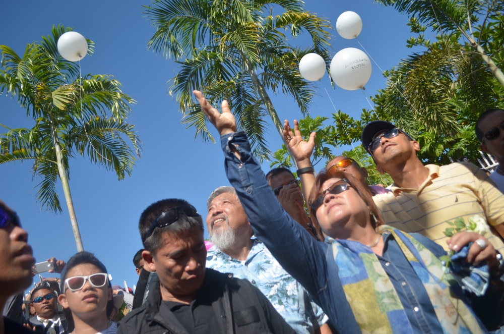 White balloons for the victims
