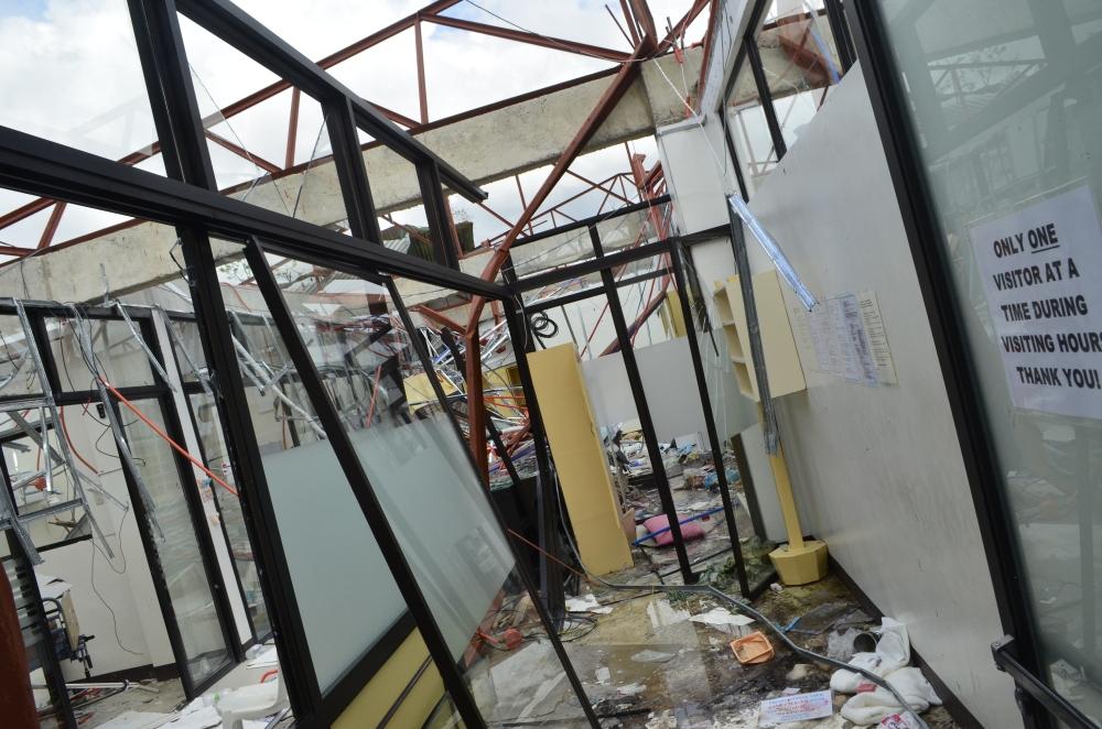 Ormoc-Leyte-Bam-Alegre-SubSelfie-Yolanda-Typhoon-Haiyan-Destroyed-Hospital-2