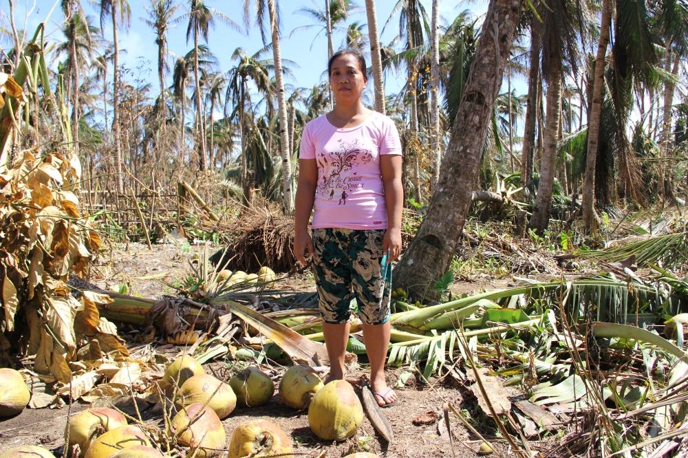 Toni-Tiemsin-Save-the-Children-Typhoon-Ruby-Hagupit-Samar-SubSelfie-4