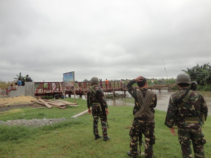Revisiting-Mamasapano-Karl-Decena-Subselfie-bridge construction in mamasapano with military