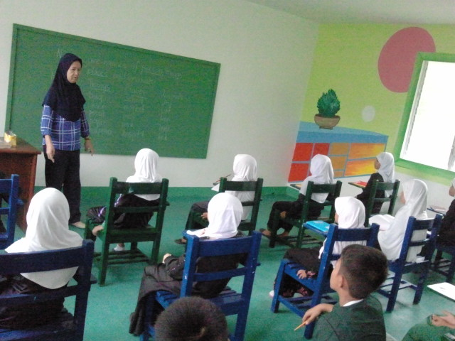 In Dar Amanah Foundation, children are taught subjects under the DepEd curriculum. They are also taught Islamic values.