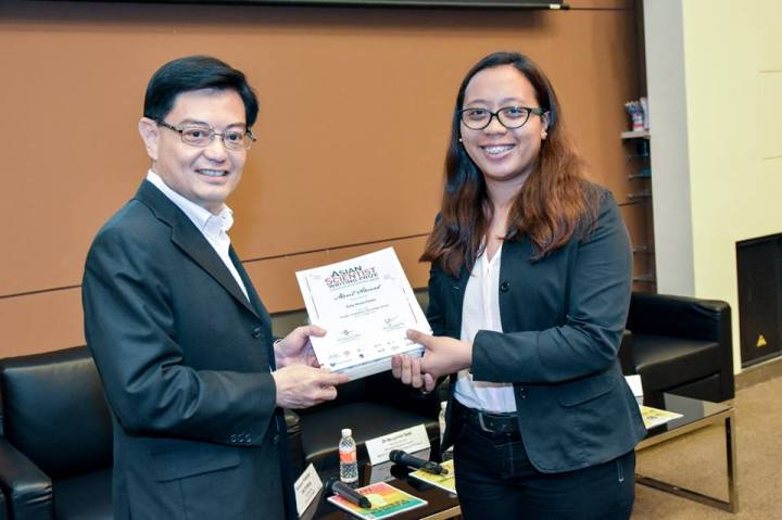 Asian Scientist Writing Prize merit award (July 2015, Singapore, Photo from Asian Scientist Magazine)
