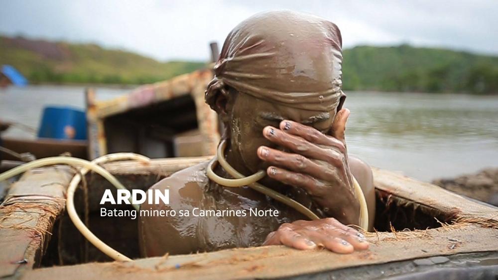 Ardin. Batang minero sa Camarines Norte.