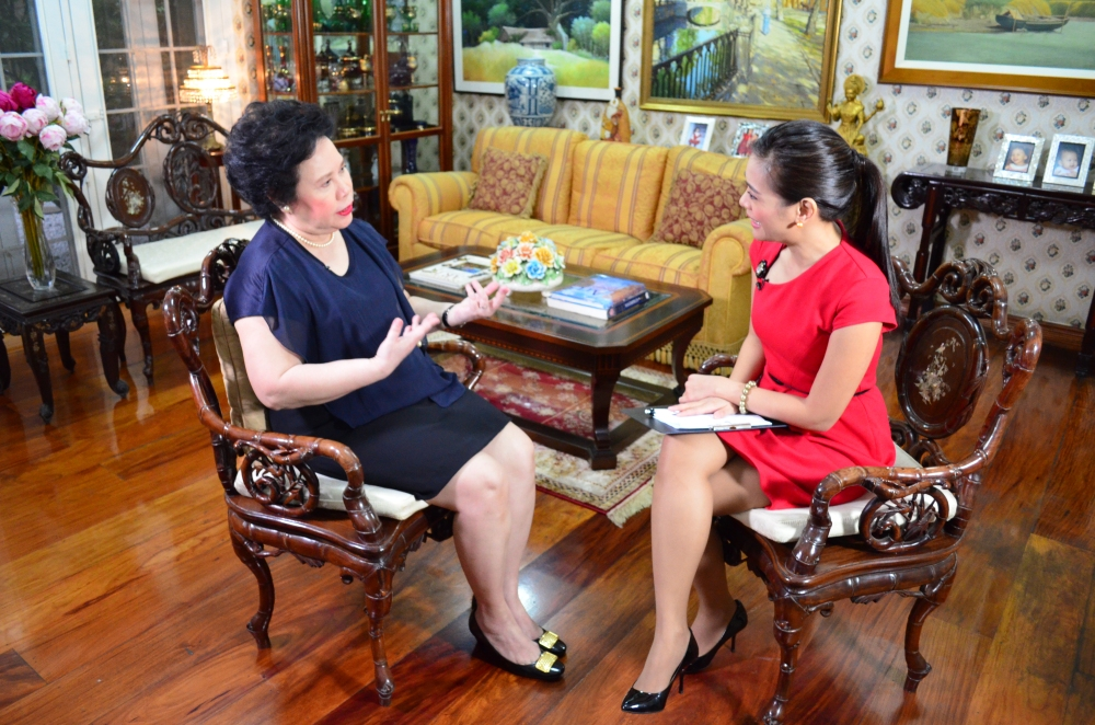 miriam-defensor-santiago-vicky-morales-photo-by-bam-alegre-2012-subselfie-blog