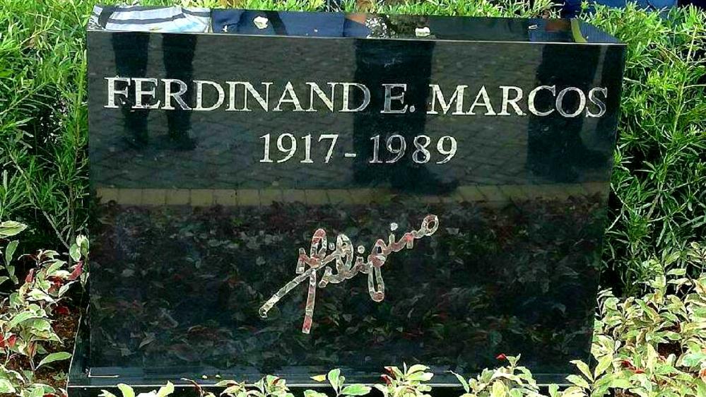 Lapida ni dating Pangulong Marcos sa Libingan ng mga Bayani. Kuha ni Mariz Umali.