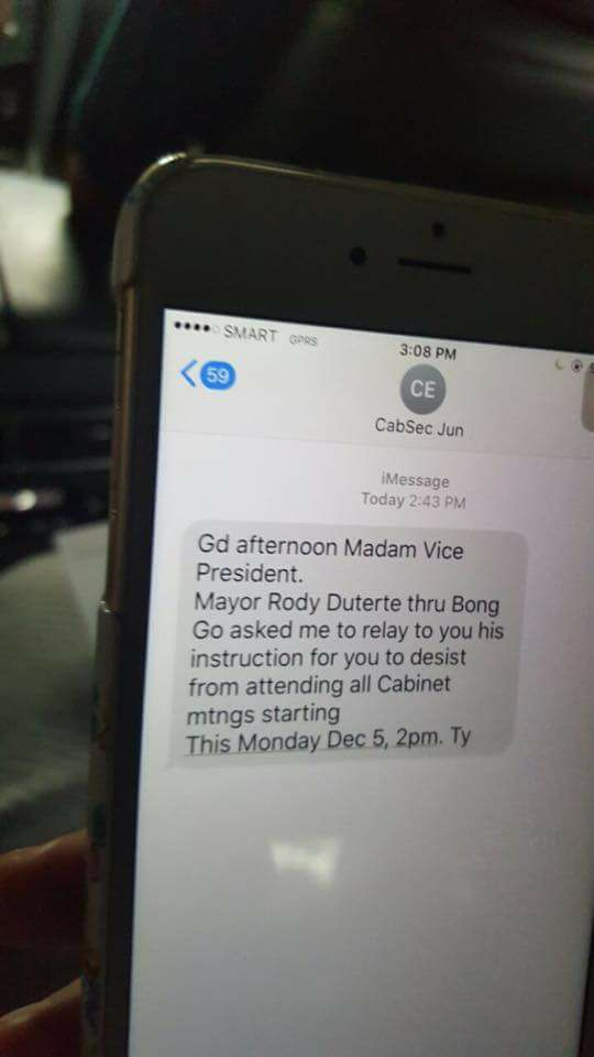 Sec. Evasco's text to VP Leni Robredo. Photo by Barry Gutierrez.