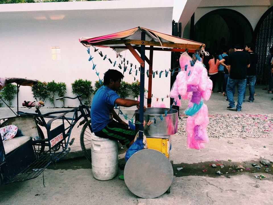 SubSelfie-laborer-cotton candy vendor