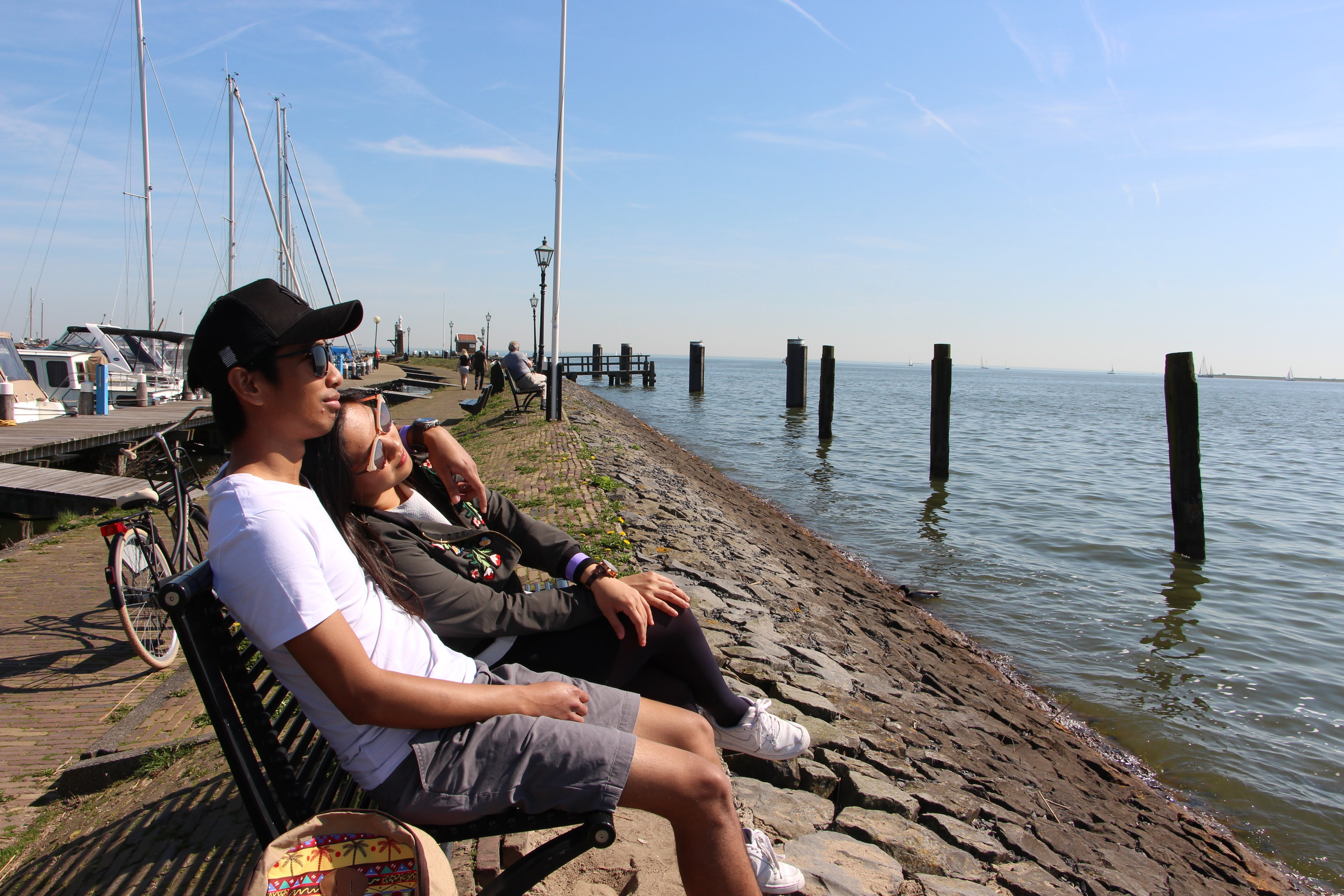 A quick rest by the fishing harbor of Volendam