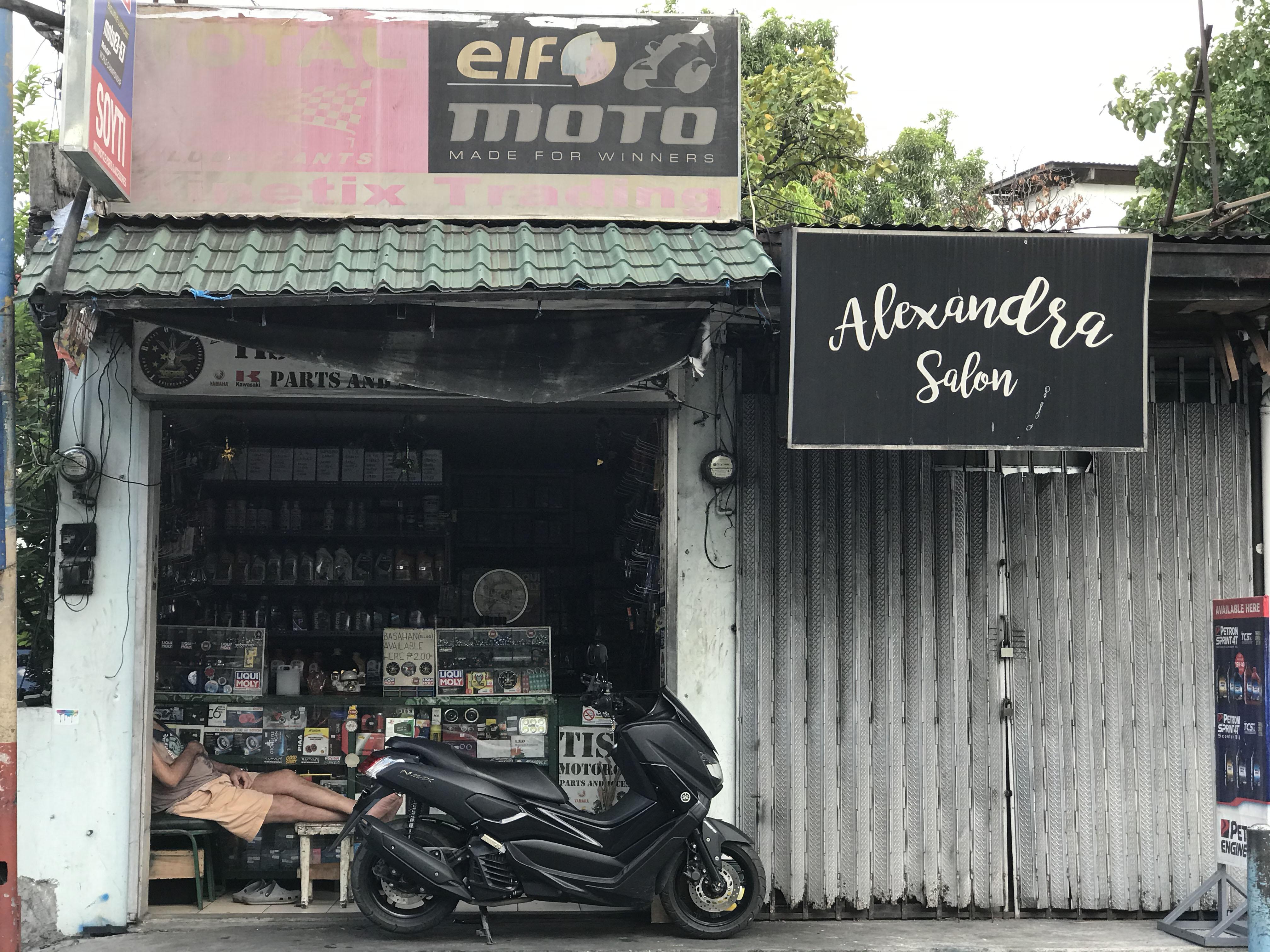 hardware salon
